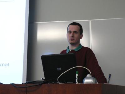 Nastopam na umetnointeligenčnem seminarju
