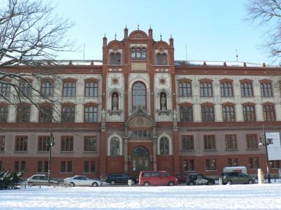 Glavna zgradba