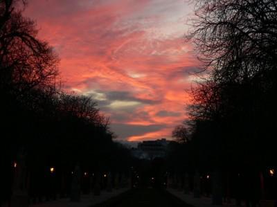 Sončni zahod nad parkom Retiro