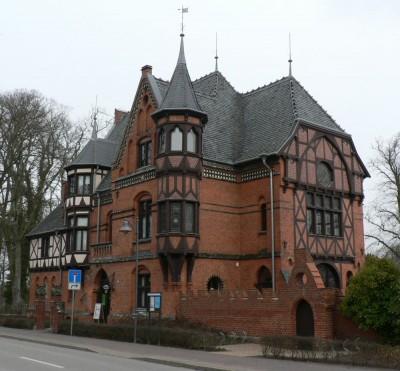 Mestni in kopališki muzej, ki ni nič pretresljivega, je pa vseeno vreden ogleda