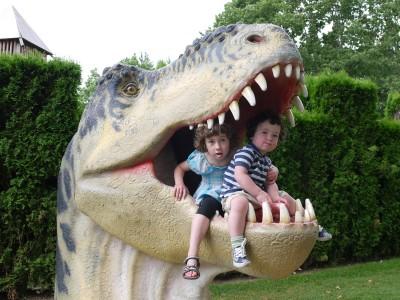 V Volčjem potoku bi nam bili dinozavri skoraj pojedli otroke.