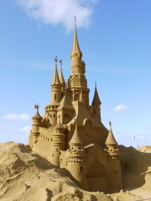 Peščeni grad v Disneyevem duhu