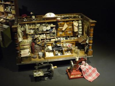 Šiviljska delavnica - igrača za otroke petičnih staršev